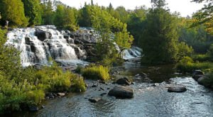 9 Waterfall Hikes In Michigan That Will Overwhelm You With Natural Beauty