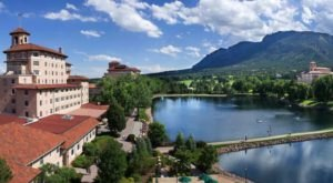 Not Many People Realize That One Of The Best Lake Hotels In The Country Is Hiding Out In Colorado
