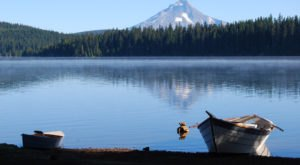 The Underrated Oregon Lake That's Perfect For A Summer Day