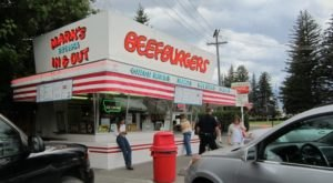 Everyone Goes Nuts For The Hamburgers At This Nostalgic Eatery In Montana