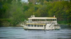 The Riverboat Cruise In Nebraska You Never Knew Existed