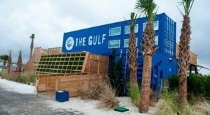 There Is No Other Restaurant Quite Like This Beachside Eatery In Alabama