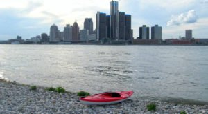 5 Perfect Places To Kayak And Canoe Around Detroit This Summer