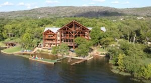 A Spectacular Getaway In Texas, Log Country Cove Is Beyond Your Wildest Dreams