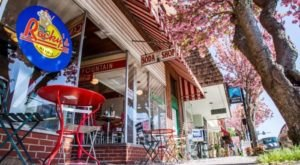 Everyone Goes Nuts For The Food At This Nostalgic Eatery In North Carolina