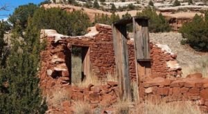 The Story Behind New Mexico's Living Ghost Town Will Fascinate You