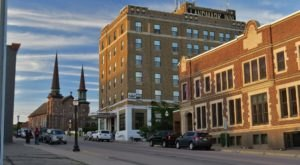 One Of The Most Haunted Hotels In America Is Right Here In Michigan