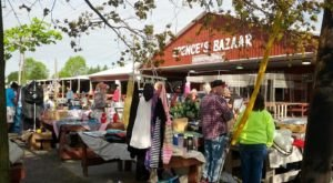 You Could Easily Spend All Weekend At This Enormous Delaware Flea Market
