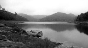 The Sinister Story Behind This Popular Lake Near Nashville Will Give You Chills