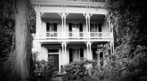 8 Haunting Tours In Mississippi That Will Send Chills Down Your Spine