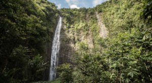 The Hike In Hawaii That Takes You To Not One, But TWO Insanely Beautiful Waterfalls