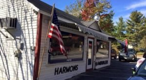 Everyone Goes Nuts For The Hamburgers At This Nostalgic Eatery In Maine