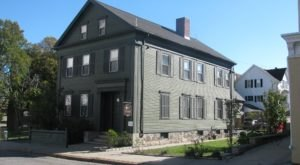 One Of The World's Most Haunted Inns Can Be Found Right Here In Massachusetts