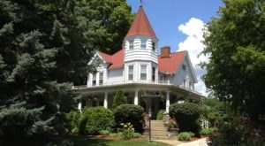 9 Historic Bed And Breakfasts In Michigan That Will Absolutely Charm You