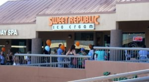 The Delicious Sundaes From These 9 Arizona Ice Cream Parlors Are All You Need In Life