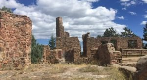 The Awesome Hike In Colorado That Will Take You Straight To An Abandoned Castle