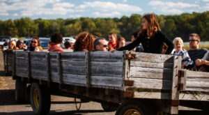 10 Hayrides Around Cleveland That Will Make Your Autumn Awesome