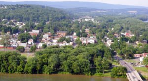 America's Most Charming Rivertown Is Right Here In Pennsylvania And You'll Want To Visit