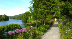 Massachusetts' Most Naturally Beautiful Town Will Enchant You In The Best Way Possible