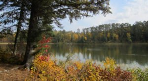 The One Hikeable Lake In Minnesota That's Simply Breathtaking In The Fall