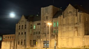 A Terrifying Tour Of This Haunted Prison Near St. Louis Is Not For The Faint Of Heart
