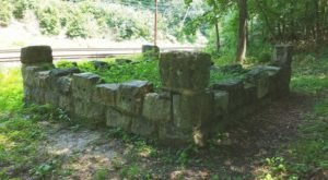 This Mass Grave Hidden In Small Town Pennsylvania Is Like Something From A Horror Movie