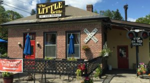 This Teeny Tiny New Hampshire Restaurant Used To Be A Train Depot And You'll Love It