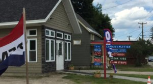 The Amazing, Teeny Tiny Takeout Spot In New Hampshire Only Locals Know About