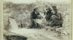 These 12 Rare Photos Show South Dakota's Gold Rush History Like Never Before