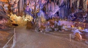 You Won't Believe These 7 Stunning Caves Are Hiding Right Here In Alabama