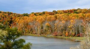 The One Hikeable Lake Near Baltimore That's Simply Breathtaking In The Fall