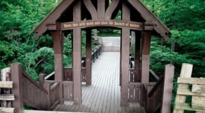 The Hiking Trail Hiding In Milwaukee That Will Transport You To Another World