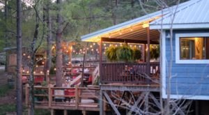 The One Restaurant In Oklahoma With The Most Amazing Outdoor Porch
