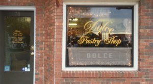 You'll Love Everything About This Quaint Pastry Shop In Alabama