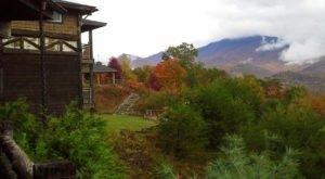 The Tennessee Lodge That Will Give You Incredible Views Of This Year's Fall Colors