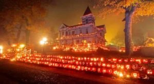 The Small Towns In West Virginia That Transform Into A Terrifying Halloween Wonderland
