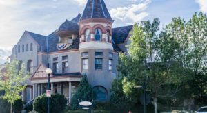 This Fairytale Mansion In Wyoming Is Actually A B&B And You'll Want To Visit