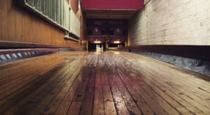 The Oldest Bowling Alley In America Is Right Here In Milwaukee And It's Amazing