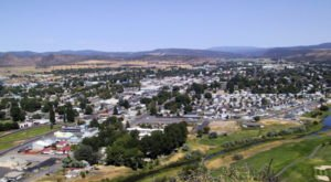 This Town In Oregon Is Surrounded By The Most Soul-Satisfying Scenery