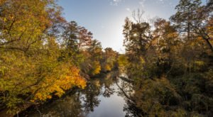 The One Hikeable Creek In Mississippi That's Simply Breathtaking In The Fall