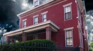 The Story Behind Cincinnati's Most Haunted House Will Give You Nightmares