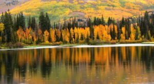 The One Hikeable Lake In Utah That's Simply Breathtaking In The Fall