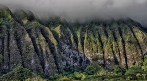 The Colossal Mountain Range In Hawaii Where Time Stands Still