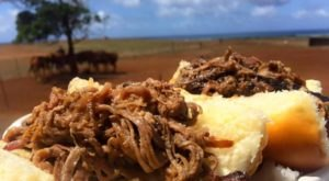 The Incredible Hawaii Restaurant That's Way Out In The Boonies But So Worth The Drive