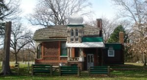 This Eccentric Old House In Illinois Has A Stupendous History