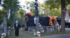 The One Small Town In Indiana That Transforms Into A Terrifying Halloween Wonderland