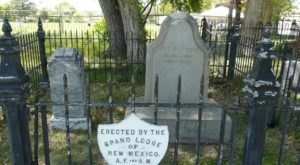You Will Want To Visit This Popular New Mexico Park That's Actually A Cemetery