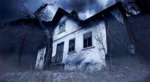 7 Haunted Houses In Rhode Island That Will Terrify You In The Best Way