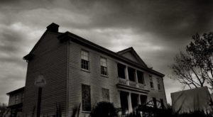 This Haunted History Tour In Missouri Will Leave You With Spine Tingling Chills