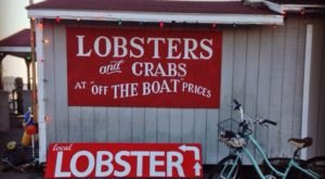 The 7 Best Lobster Shacks In Rhode Island You'll Absolutely Love